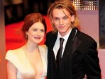 <i>Harry Potter</i> Star Engaged to <i>Twilight</i> Actor