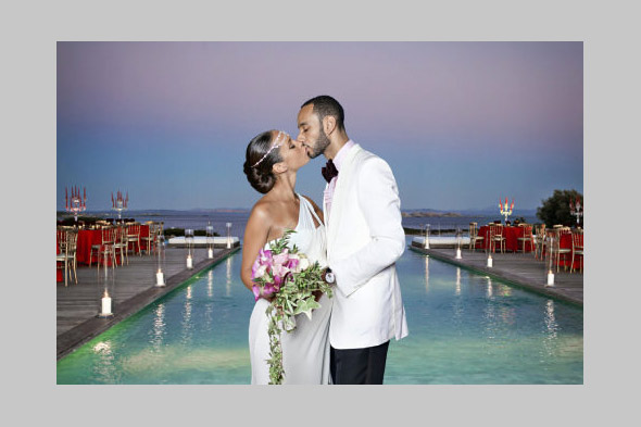 Grammy Award winner Alicia Keys wed producer Swizz Beatz in an intimate