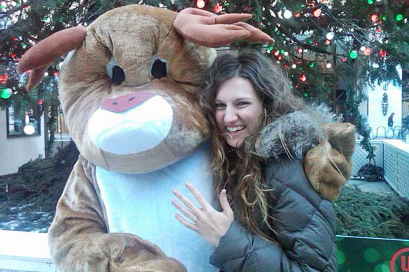 rudolph proposes to chicago woman 590bes120910 How To Win A Guy And Keep Him