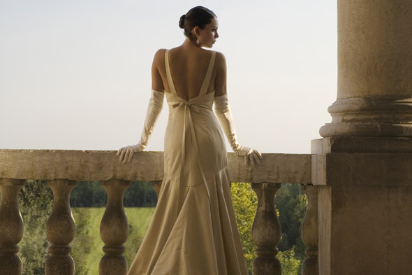 buying your wedding dress online