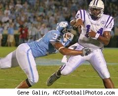 North Carolina defensive end Hilee Taylor
