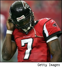 Michael Vick flips off Falcons' fans