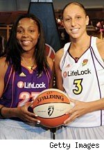 Cappie Pondexter and Diana Taurasi