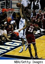 Courtney Lee dunks on LeBron James.