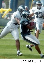 WR DeSean Jackson is one of the stars of Eagles training camp, but he left the field Saturday with a knee injury.
