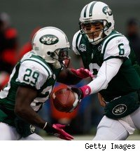 Mark Sanchez's days of handing the ball off to Leon Washington with the Jets were short-lived.