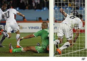 US Advances in World Cup 2010