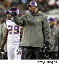 Interim Vikings head coach Leslie Frazier should get the job full time.