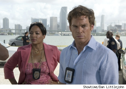 Lauren V�lez and Michael C. Hall in Dexter.