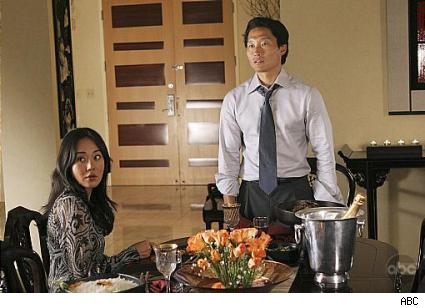 Yoon-jin Kim and Daniel Dae Kim in Lost.