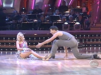 Heather Mills falls in Dancing with the Stars