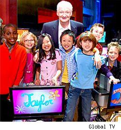 Colin Mochrie and the cast of Are You Smarther Than a Canadian 5th Grader
