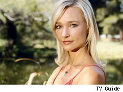 Kari Matchett plays Skye Wekler, the temporary chief of the ER
