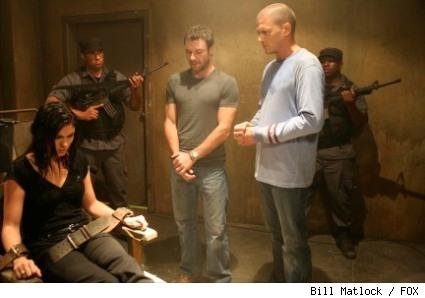 Whistler (Chris Vance, C) and Michael (Wentworth Miller, R) come face to face with Susan B. (Jodi Lyn O'Keefe, L) in the PRISON BREAK episode 'Boxed In.'