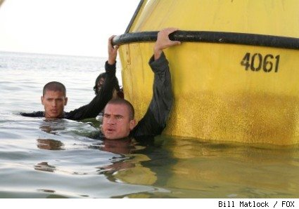 Lincoln (Dominic Purcell, R) helps Michael (Wentworth Miller, L) escape from Sona in the PRISON BREAK episode 'Hell or High Water.'