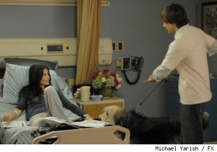 Courteney Cox as Lucy Spiller and Ryan Eggold as Farber Kauffman in the 'Dirt' season two premiere.