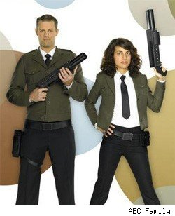 Matt Keeslar and Natalie Morales - The Middleman