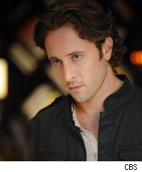 Alex O'Loughlin stays with CBS