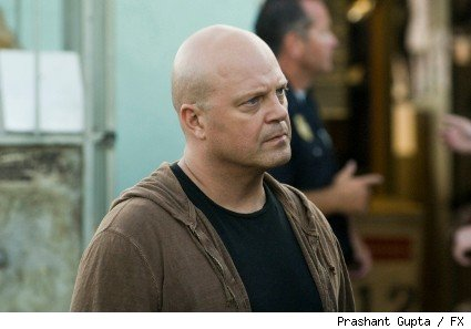 Michael Chiklis as Detective Vic Mackey on the season seven premiere of The Shield.