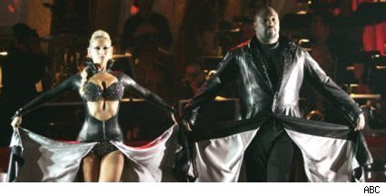 Kym Johnson and Warren Sapp - Dancing With The Stars