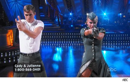 Cody Linley &amp; Julianne Hough - Dancing With The Stars