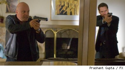 (L-R): Michael Chiklis as Det. Vic Mackey and David Rees Snell as Det. Ronnie Gardocki on THE SHIELD series finale.