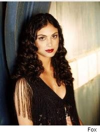 Morena Baccarin leads an alien invasion of ABC with V