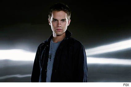 thomas dekker sarah connor