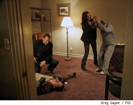 Jack (Kiefer Sutherland, second from L) and Renee (Annie Wersching, second from R) rescue Hamid (Rafi Gavron, R).