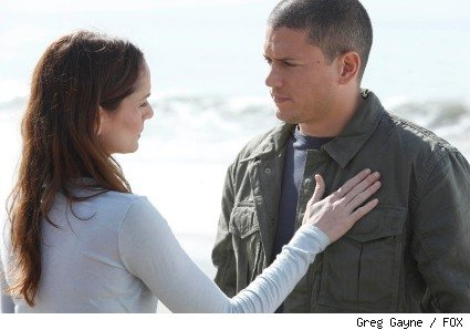 Michael (Wentworth Miller, R) dreams of a happily-ever-after with Sara (Sarah Wayne Callies, L) in the PRISON BREAK series finale.