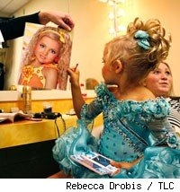 Emilia from Toddlers and Tiaras gets ready.