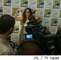 Eliza Dushku faces the reporters