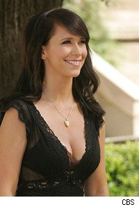 Jennifer Love Hewitt plays the Ghost Whisperer and appeared at Comic-Con.