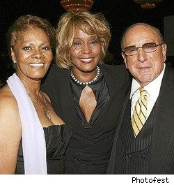 Whitney_Houston_Dionne_Warwick_Clive_Davis