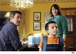 Patricia Heaton and Neil Flynn star in