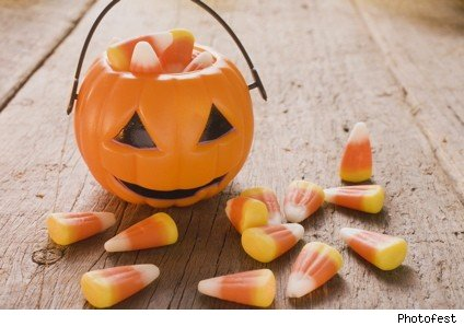 Halloween_candy_corn
