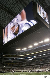 Avatar will replace Tony Romo on this huge screen on November 1.