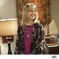 Shelley Long, Modern Family