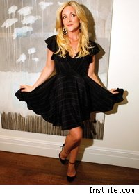 jane_krakowski_black_dress