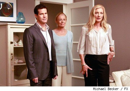 (L-R): Dylan Walsh, Vanessa Redgrave, and Joely Richardson