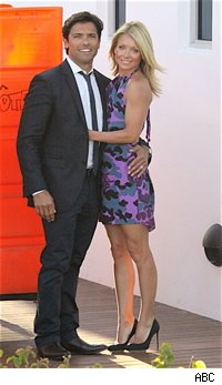 kelly_ripa_mark_consuelos_amc_abc