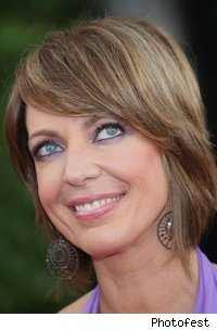 allison_janney_smiling_earrings