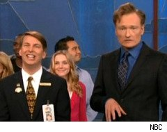30 Rock's Kenneth the Page interrupts Conan O'Brien's monologue
