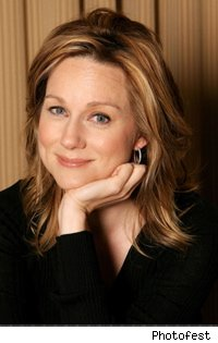 the_big_c_laura_linney