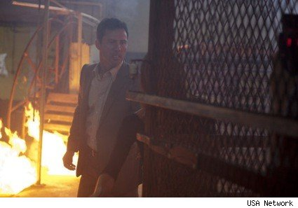 burn_notice_michael_fire