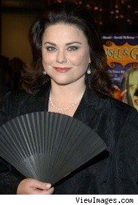delta_burke_fan_smiling