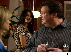 Modern Family, Cameron, Gloria