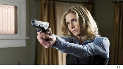 Elizabeth Mitchell, 'V'