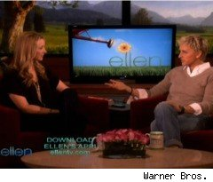 Lisa Kudrow and Ellen Talk Family on 'The Ellen DeGeneres Show'