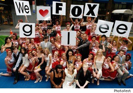 glee_fox_cast_fans_2010
